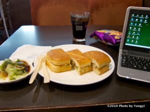 昼食のサンドイッチ(パニーニ)